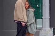 Ariana Grande ប្រទះឃើញយំពេលបង្ហាញខ្លួនលើកដំបូង ក្រោយអតីតសង្សារស្លាប់